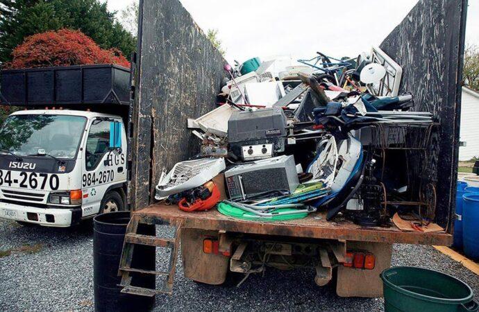 Junk Hauling-Riverside Dumpster Rental & Junk Removal Services-We Offer Residential and Commercial Dumpster Removal Services, Portable Toilet Services, Dumpster Rentals, Bulk Trash, Demolition Removal, Junk Hauling, Rubbish Removal, Waste Containers, Debris Removal, 20 & 30 Yard Container Rentals, and much more!